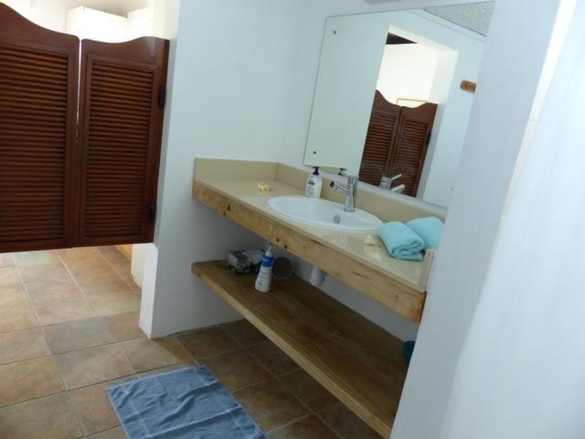 cottage_trou_deau_douce_bathroom_3