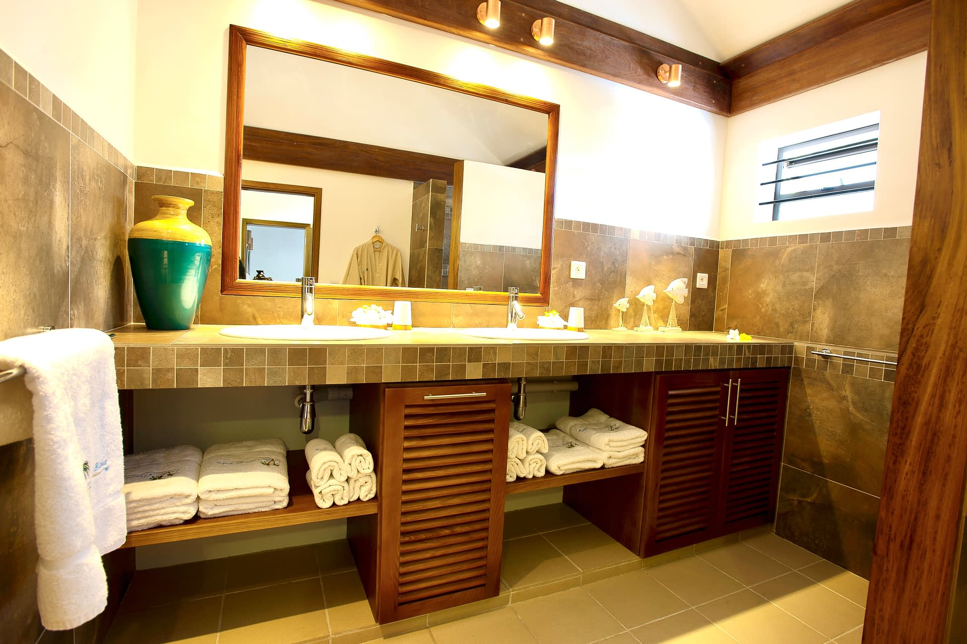 Villa Tropic 1 bathroom ensuite