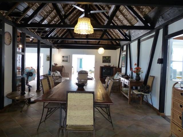 cottage_trou_deau_douce_living_1