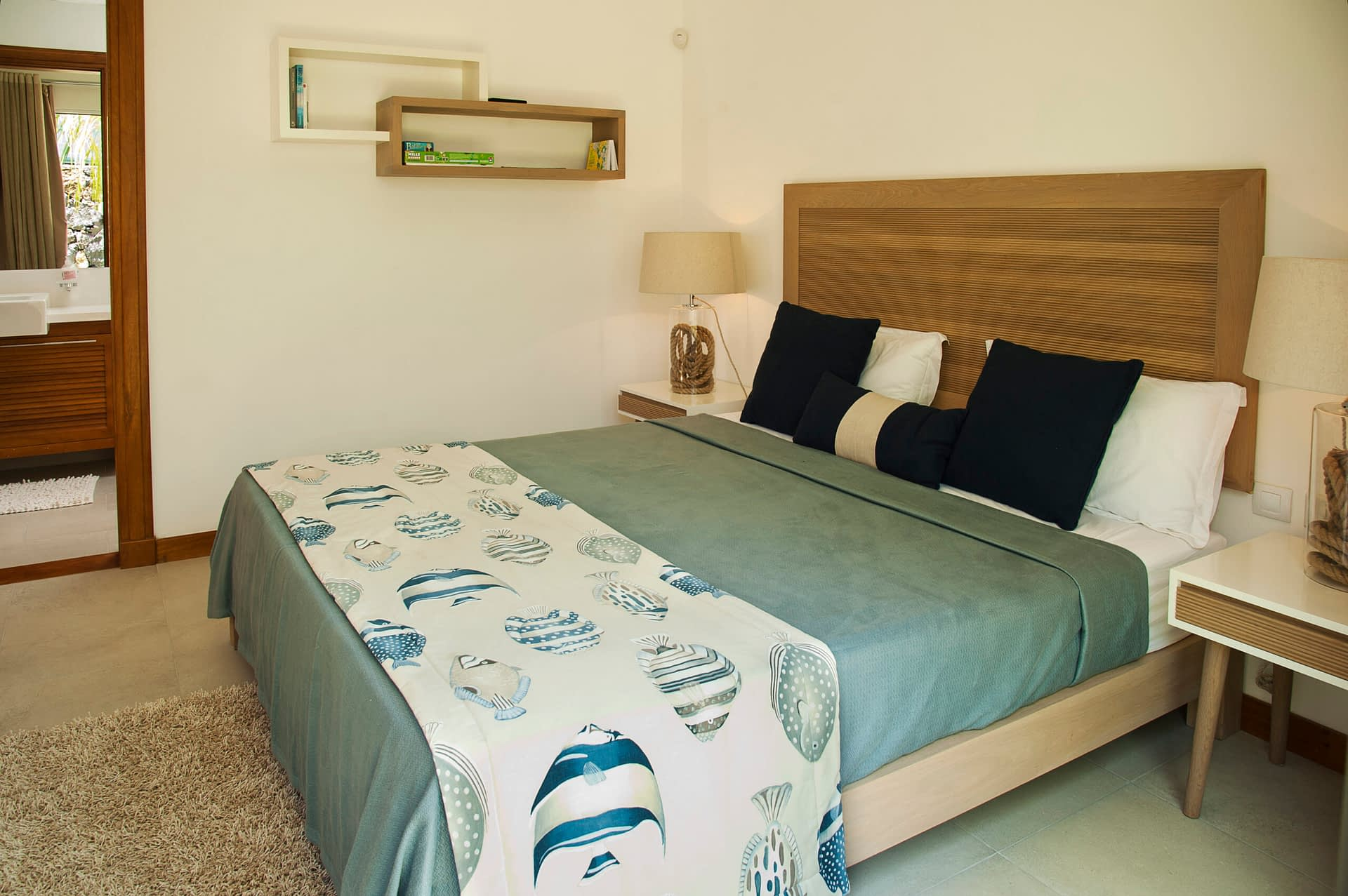Villa Coralie bedroom en-suite 2