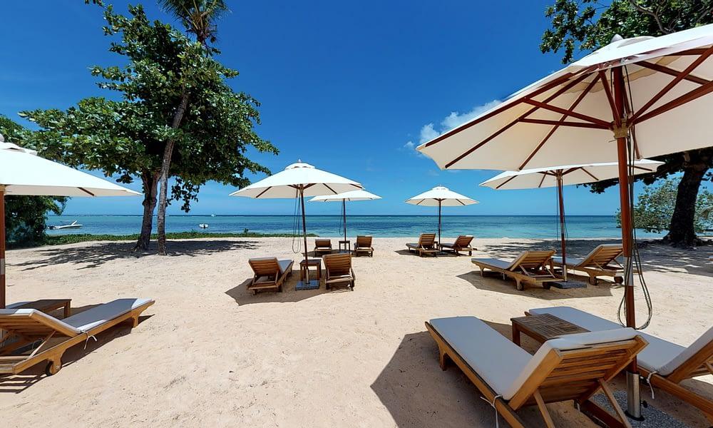 MANTA apartment beach sun loungers