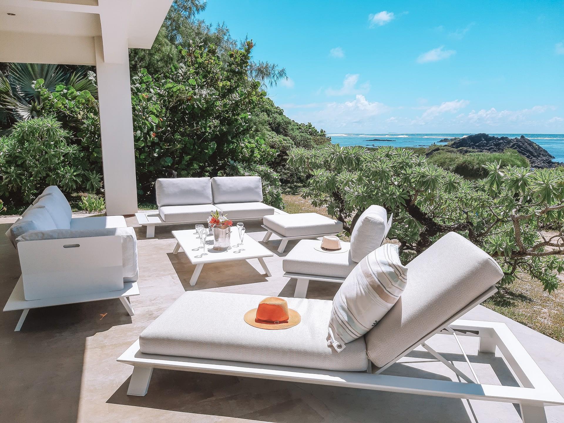 Villa Brisas beachfront outdoor seating area