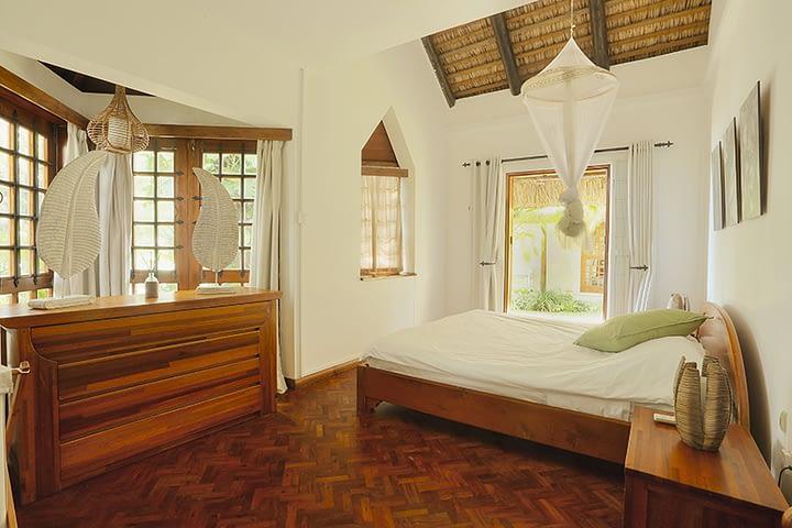 Samya-bedroom-2-b