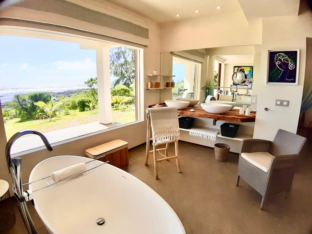 Villa Brisa bathroom groundfloor  sea view