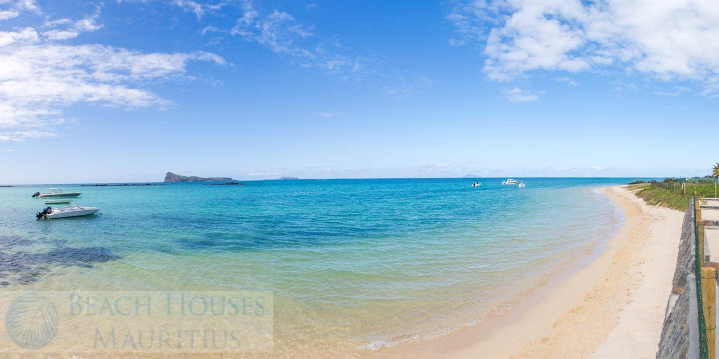 Les-Palmiers-beach-3_Gallery
