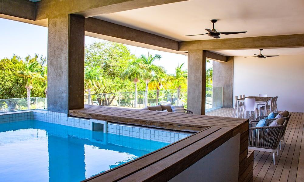 MANTA apartment terrace pool dining