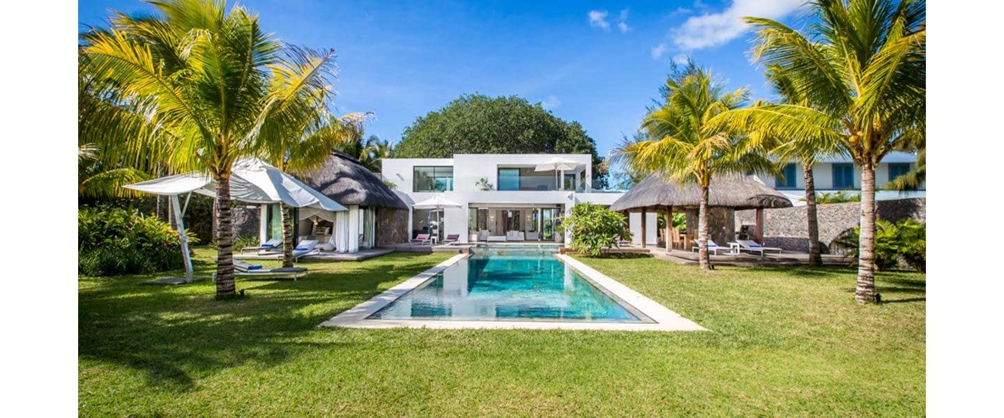 HEADER-merville-delxue-front-pool-house