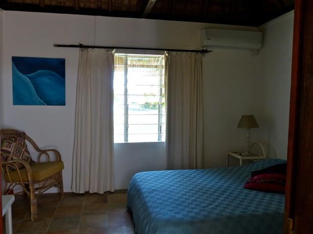 cottage_trou_deau_douce_bedroom_1
