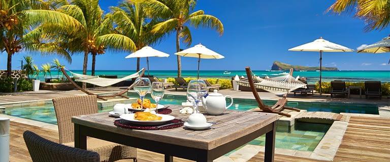 Header-SUIT-breakfast-pool