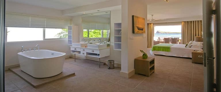 header-cape-point-bathroom-master