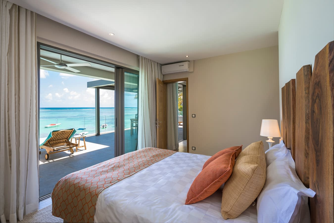 KotNor bedroom with sea view1