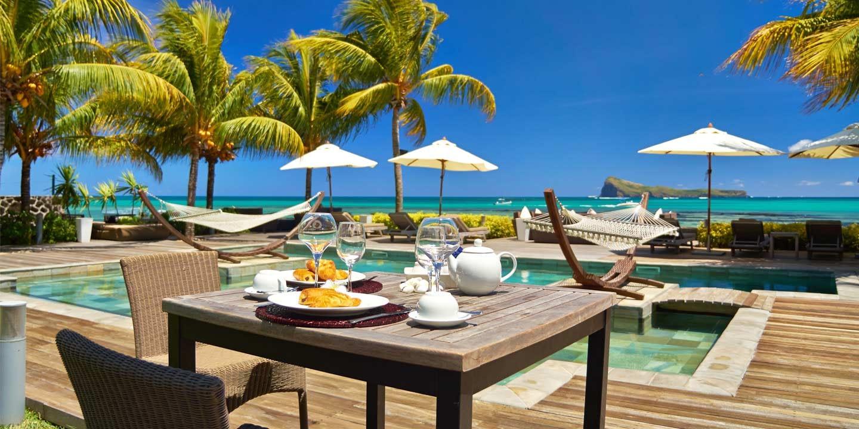 Gallery-SUIT-pool-breakfast