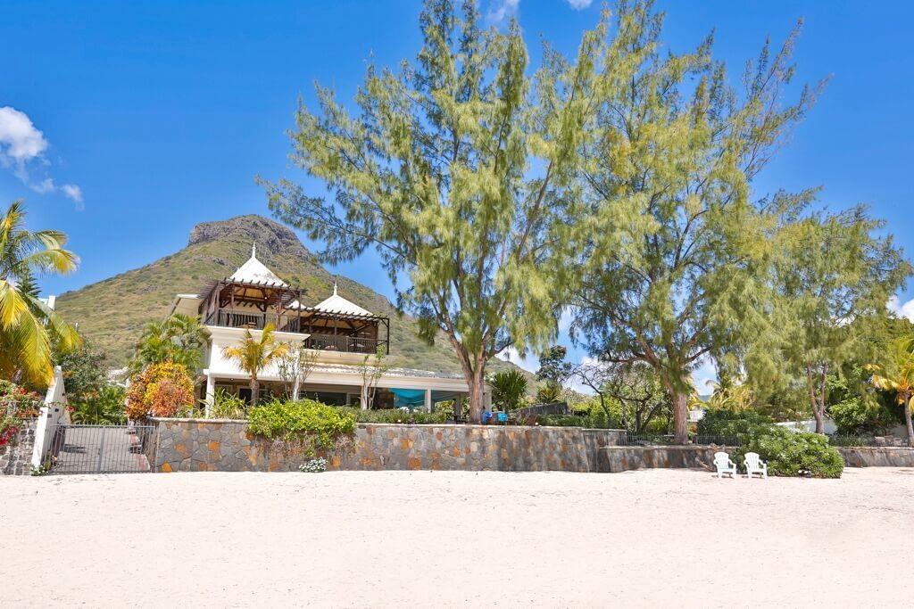 Villa-Tamarin-front-2