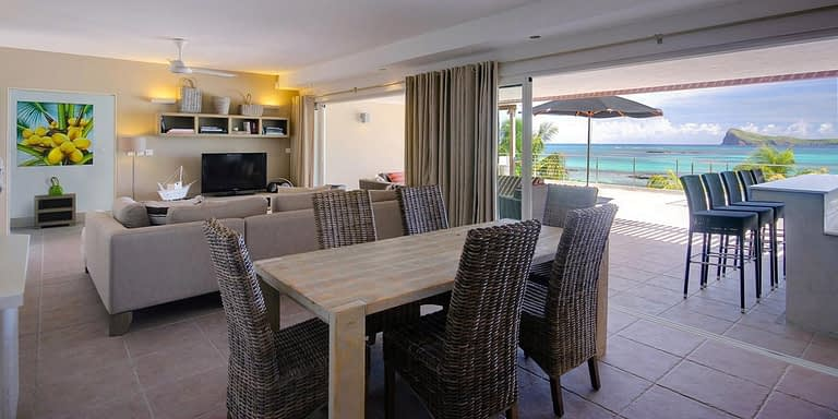 Gallery-Cape-Pointe-dining-1