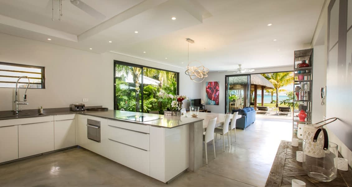 Gallery-merville-deluxe-kitchen-1