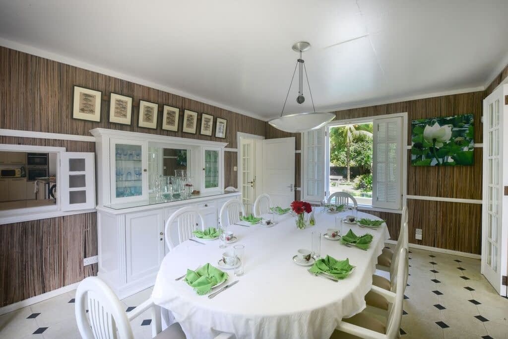 Villa-Virginia-dining