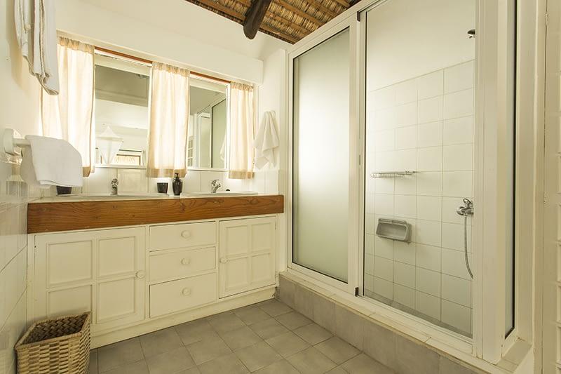 Samya-bathroom-2