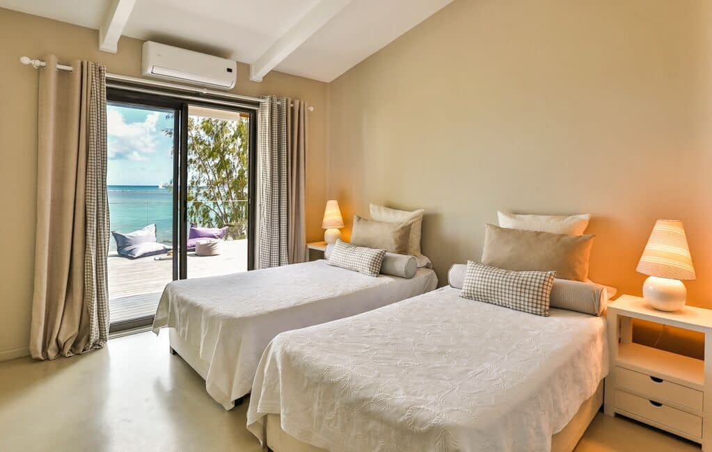 Villa-Azure-bedroom-2