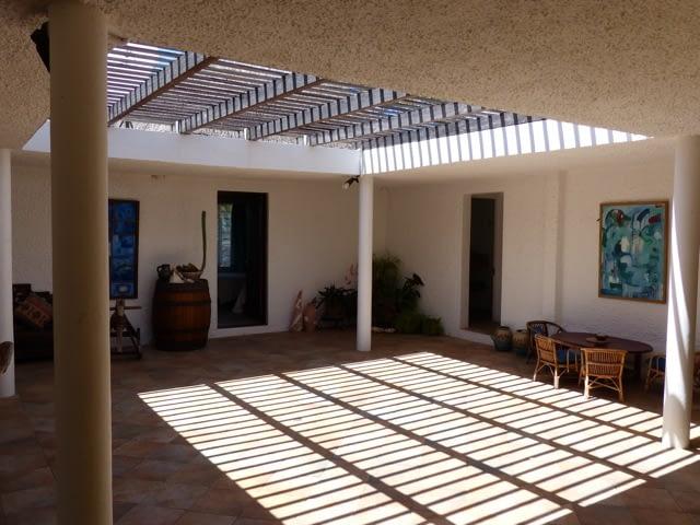 cottage_trou_deau_douce_courtyard