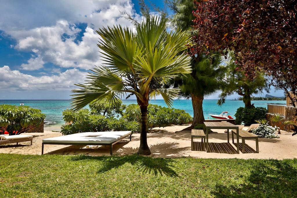 Villa CASITA garden beach front