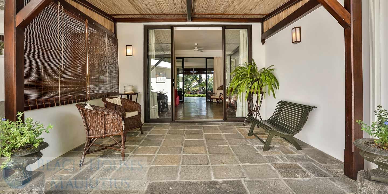 Villa-Stella-Maris-Gallery-entrance-