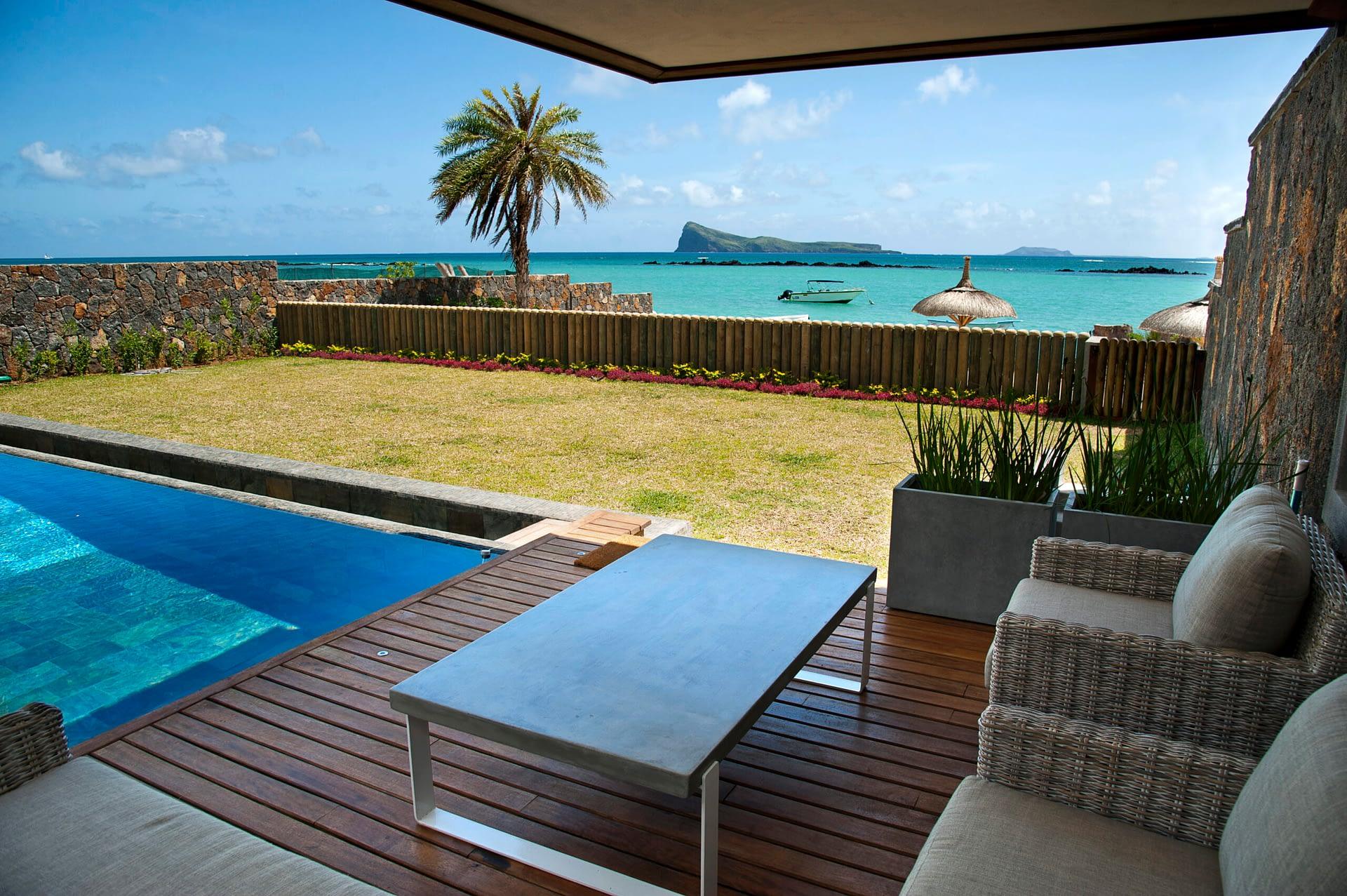 Villa Coralie private pool kiosk